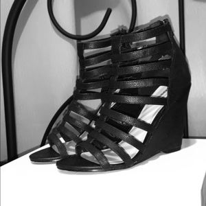 Express wedge sandals